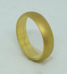 14k yellow gold wedding ring - size 54