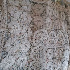 Antique handmade bedspread, origin Apulia (Italy), approx. 280x240 cm, late 19th - early 20th century