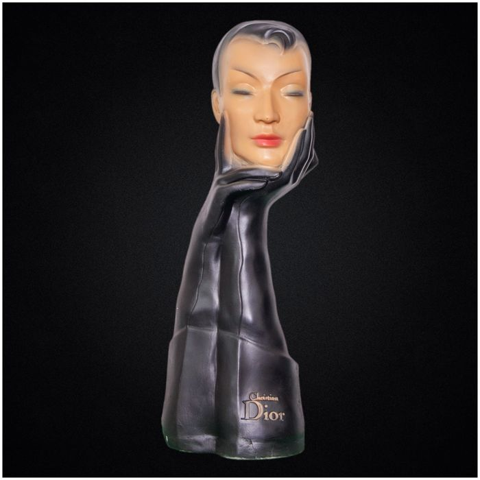 Dior - Les Gants (black version) - advertising bust