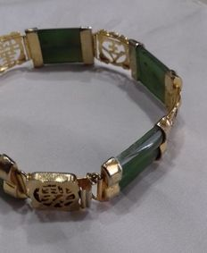 Green jade women's bracelet - from the 20th century - Far East