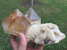 Large Twin quartz crystels with albite - 17x12.5x8.7 cm - 1668 gm