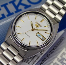 Seiko 5 Mens Automatic Watch - new & mint condition