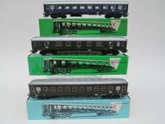 Märklin H0 - 4026/4027/4022 - 3 passenger and baggage carriages of the DB