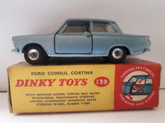 Dinky Toys - Scale 1/43 - Ford Consul Cortina No.139