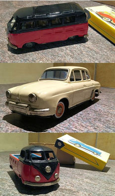 Bandai, Japan - Length 16-20 cm - Tin VW transport, VW Pick Up and Renault Dauphine with friction motor, 1950s/60s