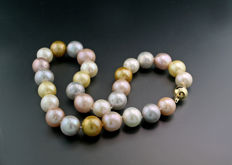Multicolour pearl necklace cultured pearls from 14 to 15.8 mm in size! 585 yellow gold --- No reserve price ---