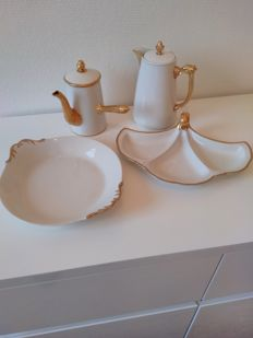 Limoges Porcelain 24 kt gold-plated, Chocolate jug, coffeepot and plates