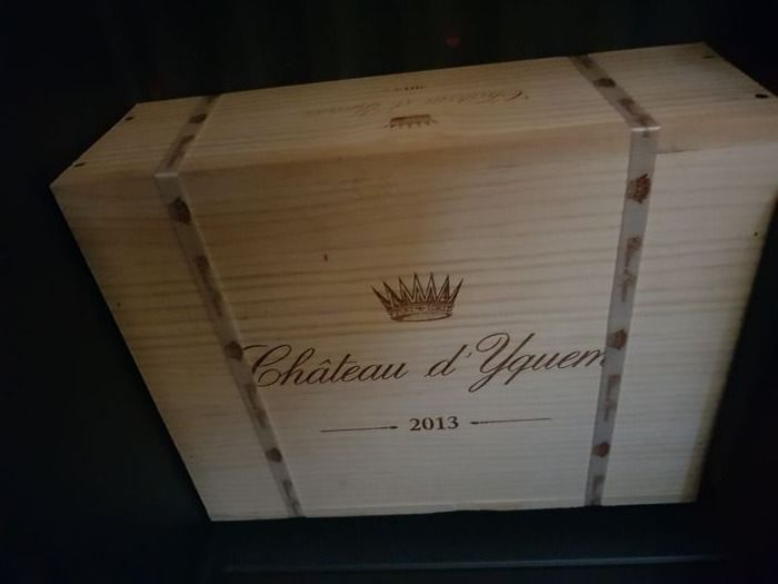 Chateau d'Yquem, Sauternes; 3 x 2005 & 1 x 2008 & 3 x 2013 (case of 3) - 7 bottles of which 3 in OWC