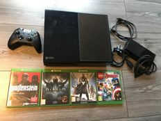Xbox one 500gb with 4 games and one controller