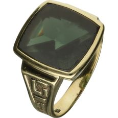 14 kt Yellow gold decorated signet ring set with a synthetic aventurine stone. - Ring size: 20 mm