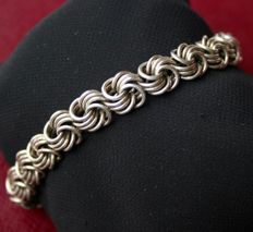 Antique handcrafted perforated old silver bracelet in good state. Unisex.