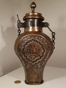 Beautiful Ottoman water holder / flask made of copper / Central Asia - early 19th century