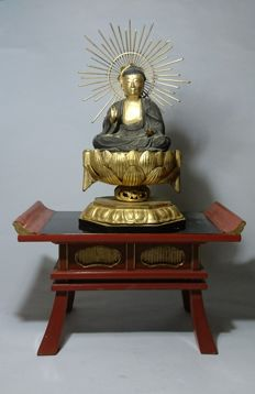 Large Amida Buddha and Altar Stand (with Altar Storage Box)- Wood, Laquer and Gold Gilt - Japan - 19th century