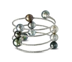 Magnificent Wrap Bracelet Featuring 11 Tahitian Pearls crafted in 18K Gold - Authenticity Certificate Included