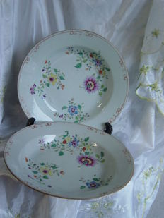 Two porcelain famille rose dishes - China - 18th century