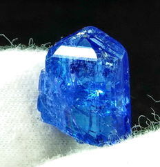 Natural & Unheated Purple Blue Color Tanzanite Crystal - 16x11x7 mm - 14.00 ct