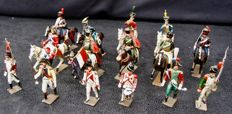 Set of six soldiers and nine riders by CBG Mignot - France - Circa 1950 (15)