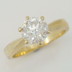 1.20ct D/SI2 Round Diamond Solitaire Ring, 14 kt Yellow Gold