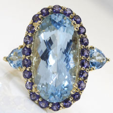 13.62 ct. Ring yellow gold with topaz and iolite ** no reserve price **