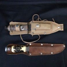 2 Hunting Knife with Leather Holders, Bone and Wood Handle