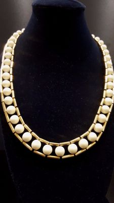 Trifari Necklace faux pearl-gold toned