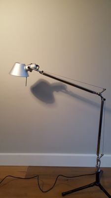 Giancarlo Fassina and Michele de Lucchi for Artemide - Tolomeo desk lamp with fixed desk support (lot 1)