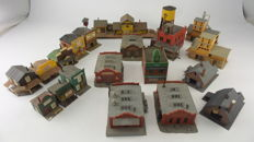 "Faller/Pola/Kibri Scenery H0 - collection of 21 buildings with ""American"" theme"