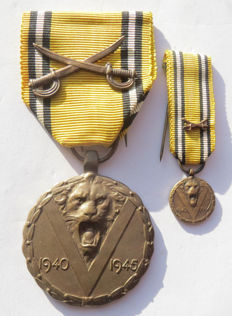 Belgian Commemorative Medal of the War 1940-1945 with miniature!!! - WW2