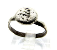 Ancient Roman Silver Intaglio Seal Ring with Engraved Equestrian/Horseman -  14mm