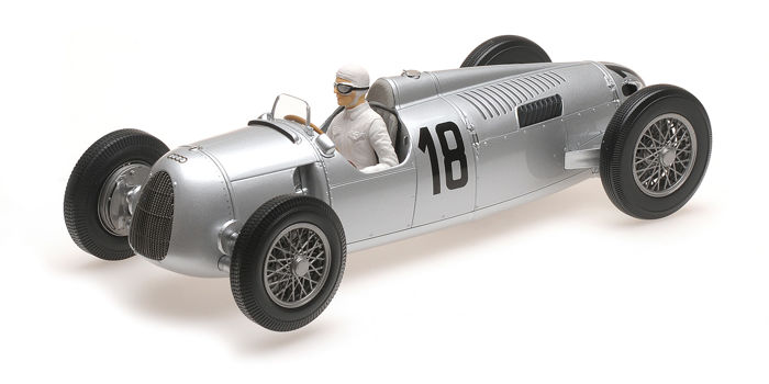Minichamps - Schaal 1/18 - Autounion Typ C No.18 - Limited 1002 pcs. - Sieger International Eifelrennen 1936 - Driver Rosemeyer