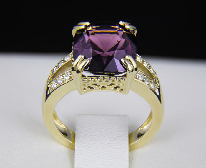 CGL Certified 8.21 ct. Spinel And Diamonds Gold Ring. *Free shipping* *Free resizing*.