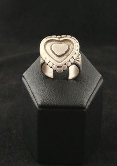 Antique, silver heart-shaped ring - Afghanistan, early 20th century