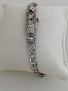 Jewel wristwatch in 18 kt white gold set with approx. 2 ct of diamonds, 30s.