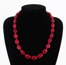 Polished ruby necklace - 14 kt gold clasp, hallmarked - 515 ct, total length 59.2 cm