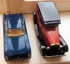 Yonezawa, Japan/STF, China - Length around 25 cm - Lot with tin old timer and Chevrolet Corvette with friction motor, 1960s/90s