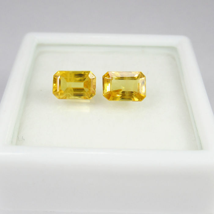 1.71 Ct - Yellow Sapphire Pair - No reserve price