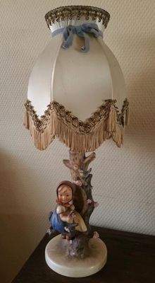 Goebel Hummel - Table lamp 'Appletreegirl'