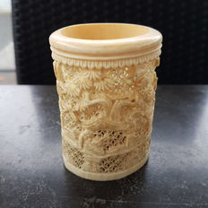 Ivory brush holder - China - around 1900