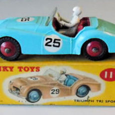 Dinky Toys - Scale 1/43 -Triumph TR2 Sports No.111