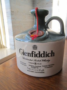 Glenfiddich 8 years old 1970's - ceramic decanter