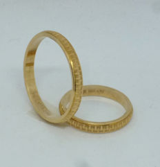 14k yellow gold pair of wedding rings - sizes 51,5 & 66