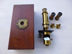 Portable German microscope from maker Edmund Hartnack (1821-1891), made in Paris in 1861