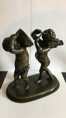 A bronze sculpture with 2 putti - France - 1880-1900