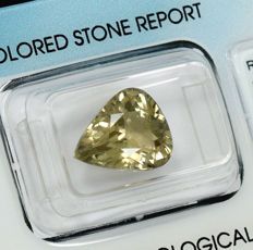 Colour Change Diaspore - 5.87 ct