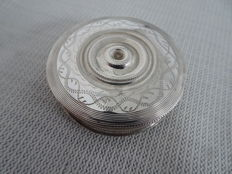 A silver peppermint tin with beautiful engraving, the Netherlands, 1854