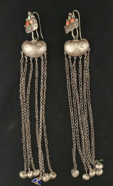Antique earrings in high-grade silver - China, 19th century