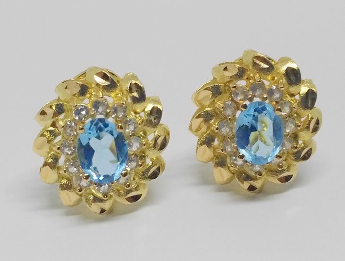 earrings in 18 kt yellow gold - topazes and zirconias