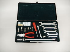 Vintage Original Jaguar Toolkit XJ Series Complete Set in Very Good Condition