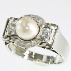 Stunning white gold retro ring with diamonds and pearl - anno 1950