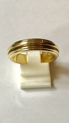 Piaget - 18 kt yellow gold men's ring, Ring size 19.75 mm (62)